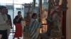 দুর্গা প্রতিমা সজ্জায় জননেত্রী মমতা! মোদীর সঙ্গে হাইভোল্টেজ বৈঠকের আগে বিরল দৃশ্য বিমানবন্দরে