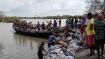 ভরা কোটালে ভাঙা বাঁধ মেরামত করতে গিয়ে নদীতে পড়ে নিখোঁজ এক