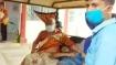 রাস্তায় পড়ে থাকা অসুস্থ ব্যক্তিকে হাসপাতালে পৌঁছে দিয়ে মানবিকতার নজির গড়লেন বৃদ্ধা নার্স