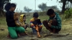 ঘূর্ণাবর্তে বাধা শীত! কবে পড়বে জমিয়ে ঠাণ্ডা, উত্তর ও দক্ষিণবঙ্গের আবহাওয়ার রিপোর্ট একনজরে