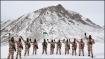 হাড় কাঁপানো ঠান্ডার মাঝে ওরা অতন্দ্র প্রহরী, ভারত মাতা কী জয় স্লোগানে ৭২তম প্রজাতন্ত্র দিবস পালন জওয়ানদের