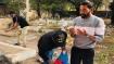 বিমানবন্দর থেকে সোজা বাবার সঙ্গে দেখা করতে সিরাজ, সমাধিস্থলে গোলাপ দিয়ে শেষ শ্রদ্ধাজ্ঞাপন