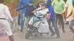 নবীশ হাতে বেসামাল স্কুটার, পড়তে পড়তেও সামলে নিলেন মমতা, বোঝালেন আন্দোলনের পিক-আপ তাঁর হাতেই