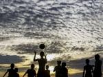 বাংলায় বসন্তের খেয়াল খুশিতে তাপমাত্রার ওঠানামা! একনজরে আবহাওয়ার রিপোর্ট