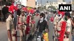 রাস্তায় ঘুরছে 'করোনা' পুলিস, লকডাউনে ঘরে থাকুন সাবধানে