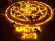 ধনতেরসের দিন কলকাতায় সোনা-রূপার দাম কত! কেনাকাটার আগে চোখ রাখুন এই তালিকায়