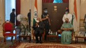 রাজভবনে স্বাধীনতা দিবসের অনুষ্ঠানে অনুপস্থিত মমতা! 'ফাঁকা চেয়ারের' ছবি পোস্ট করে রাজ্যপাল কী জানালেন