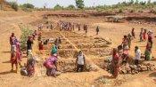 ৮০ শতাংশের উপর বেড়েছে কাজের চাহিদা, মন্দাকালে গ্রামীণ অর্থনীতিকে দিশা দেখাচ্ছে ১০০ দিনের কাজ