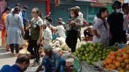 লকডাউন শুরুর আগে ব্যস্ততা শিলিগুড়িতেও, লাগাম ছাড়া দাম বৃদ্ধির অভিযোগ