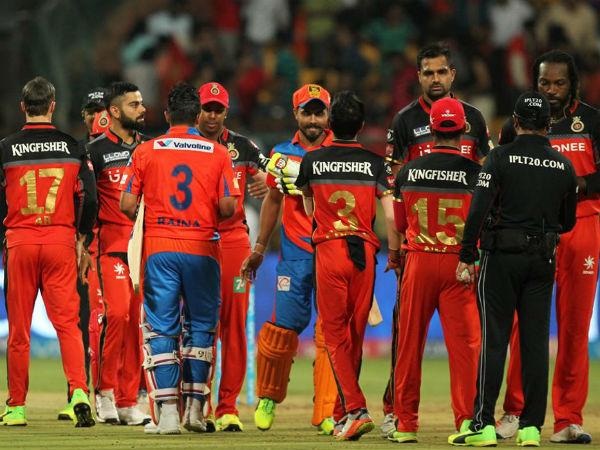 আইপিএল ১০ : 'দুর্বল' ব্যাঙ্গালোরের বিরুদ্ধে ৭ উইকেটে সহজ জয় গুজরাতের