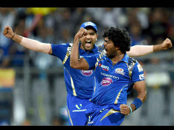 IPL 2017 : রুদ্ধশ্বাস ম্যাচে পুনেকে ১ রানে হারিয়ে তৃতীয়বার আইপিএল জয়ী মুম্বই