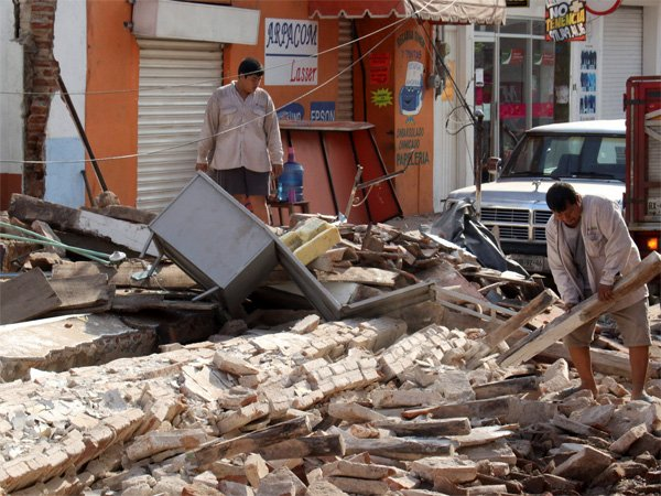 Earthquake Strikes Mexico Death Toll Increases