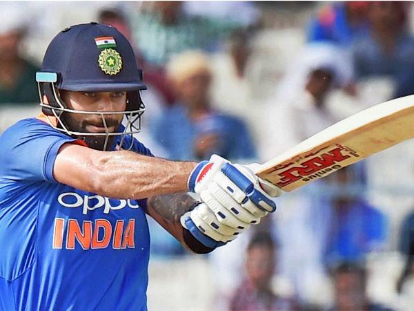 Virat Kohli Gets In Nerveous Ninties India Stumbles 252