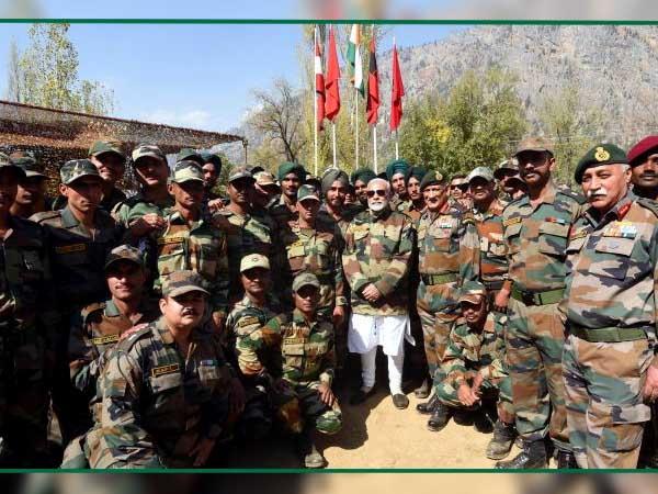 সীমান্তে নরেন্দ্র মোদী, দিওয়ালিতে সেনা বাহিনীর সঙ্গে বিশেষ উদযাপন