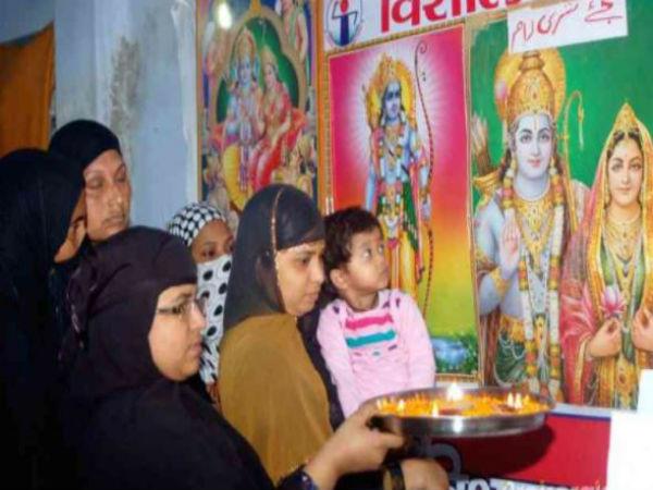 দিওয়ালির আরতিতে অংশ নেওয়ায় মুসলিম মহিলাদের প্রতি ফতোয়া জারি মোদীর কেন্দ্রে