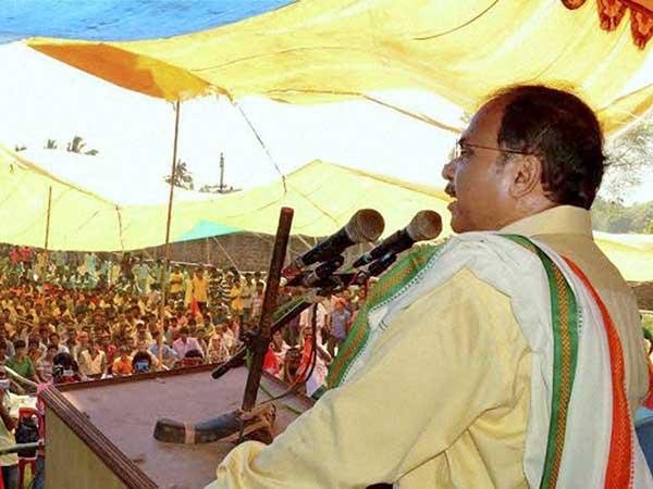 'গড়' উদ্ধারই লক্ষ্য অধীরের, 'ধান্দাবাজ নেতা-ধাপ্পাবাজ তৃণমূলে'র বিরুদ্ধে কী নির্দেশ দলকে