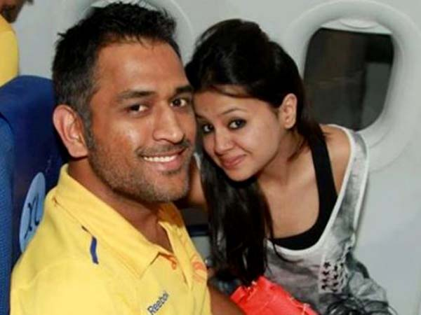 Sakshi Cut Cake With Mahendra Singh Dhoni On Her Birthday