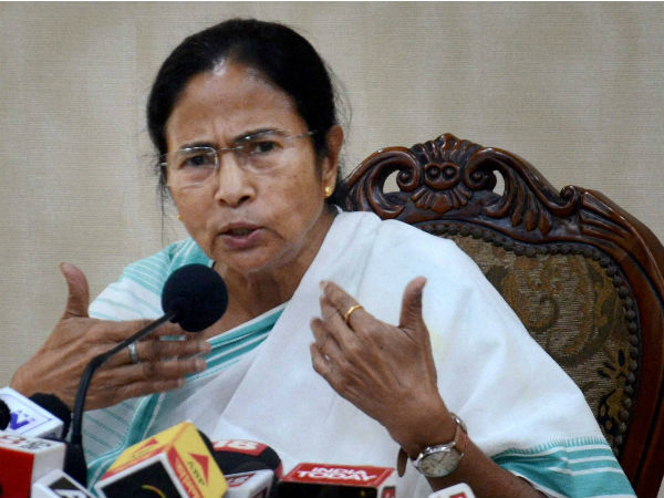 Mamata Banerjee Attacks Modi Govt Creating Controvesry On Film Padmavati