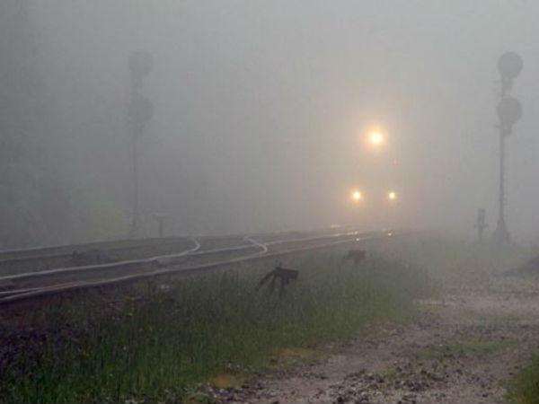 কুয়াশার জেরে বিঘ্নিত দূরপাল্লার ট্রেন চলাচল