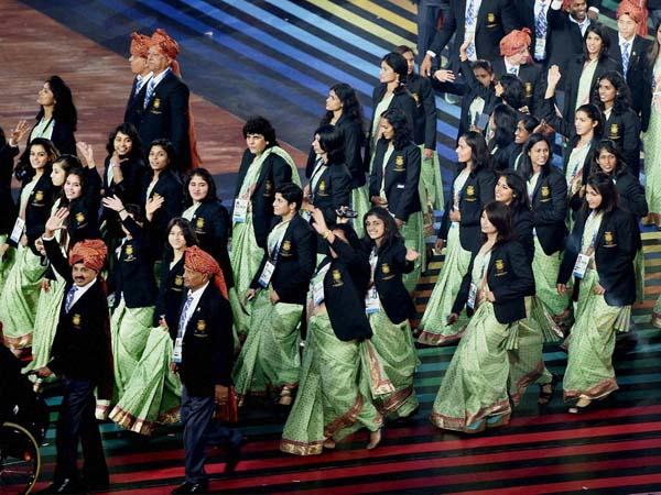 'ইয়ে আরাম কা মামলা হ্যায়', তাই শাড়িতে না ভারতীয় মহিলাদের
