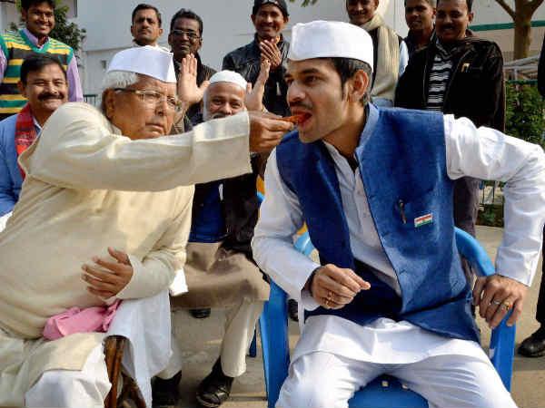 'আমার বাংলোয় ভুত ছেড়েছেন নীতীশ', আজব দাবি লালুর ছেলে তেজের