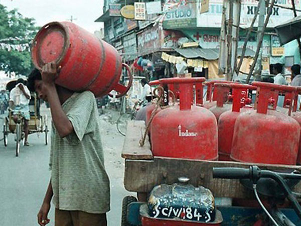 Fuel Price Up Lpg Cylinders Get Cheaper Up Rs 47