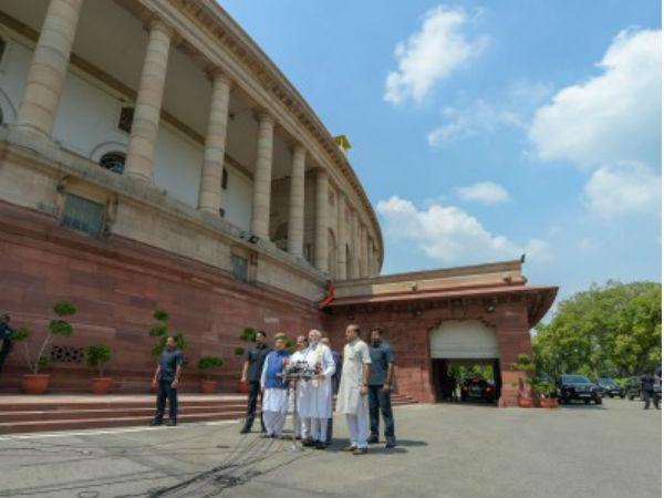 অনাস্থা-পরীক্ষায় মোদী সরকার, কী বলছে রাজনৈতিক গণিত ও ইতিহাস