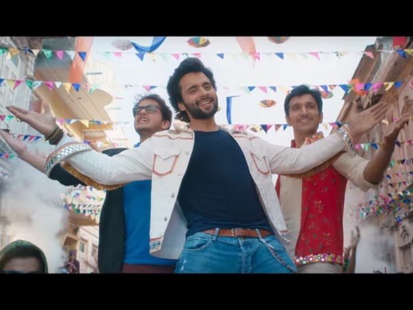 Mitron Movie Review Jackky Bhagnani Kritika Kamra Is Not That Much Attractive