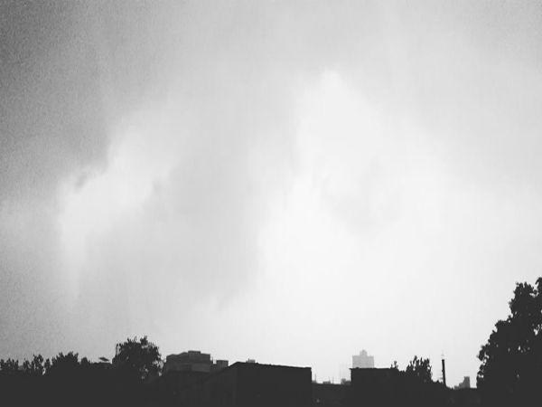নিম্নচাপ ও ঘূর্ণাবর্তের জোড়া ফলা! গাঙ্গেয় পশ্চিমবঙ্গে ভারী বৃষ্টির পূর্বাভাস, জেনে নিন বিস্তারিত