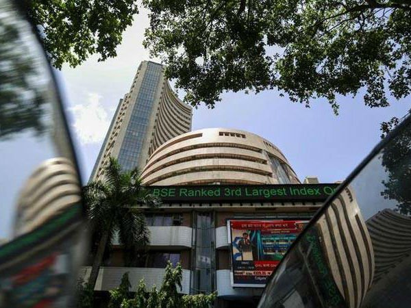 Sensex Loses Nearly 1 000 Points Two Days As Rupee Hits New Low