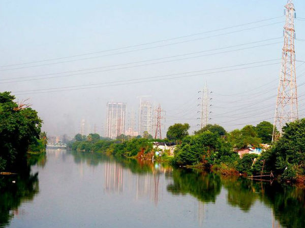 Married Woman Body Recovers From Canal Em Bypass Kolkata