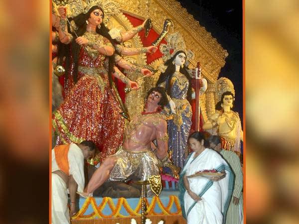 এবারও পুজো উদ্বোধনে ব্যস্ত মুখ্যমন্ত্রী!  ধরবেন রং-তুলিও
