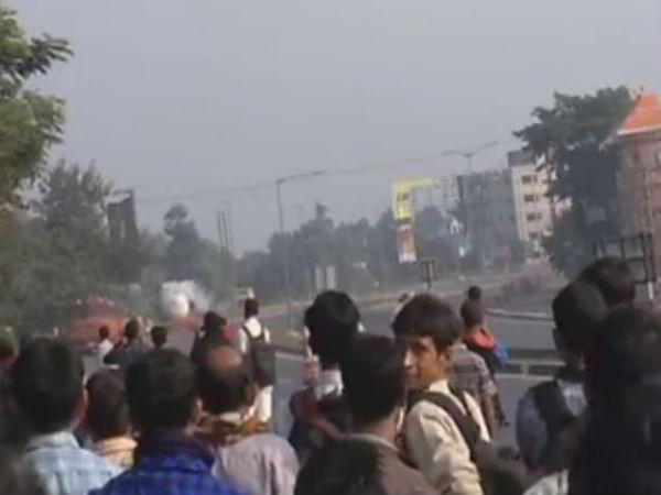 Traffic Movement Was Stopped At Ranihati Howrah Due Lpg Leak From Tanker