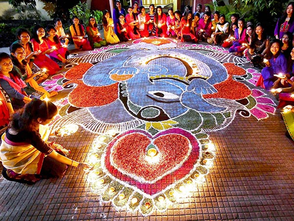 To Bring Goodluck Know How Decorate With Lamps On Diwali