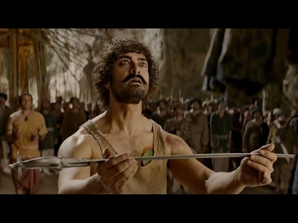 Thugs Hindostan Movie Review Amitabh Bachchan Aamir Khan Starrer Is A Visual Spectacle