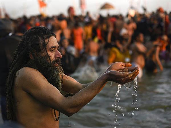কুম্ভমেলায় যোগী সরকারের কত কোটি টাকা বরাদ্দ জানলে চোখ কপালে উঠবে