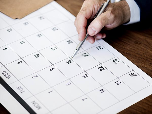Vastu Tips Hanging New Year Calendar Know The Right Position