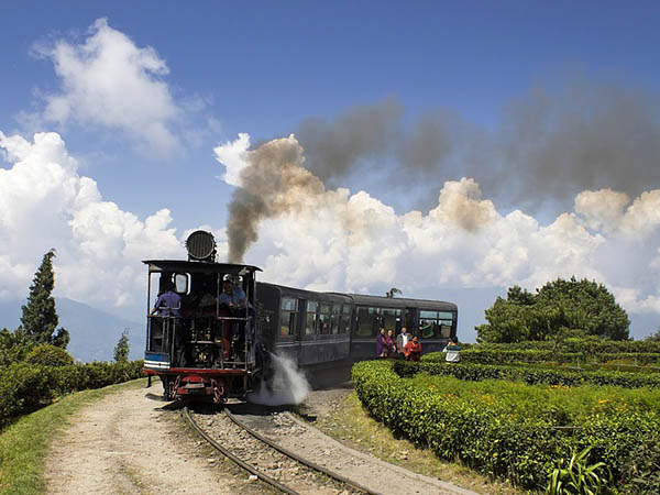 West Bengal Pips Kerala Goa Ranks Sixth Drawing Foreign Tourists