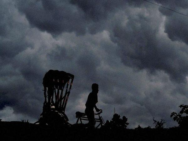 পশ্চিমী ঝঞ্ঝা চোখ রাঙাচ্ছে বাংলার আকাশে, ফাগুনের মোহনায় কালবৈশাখীর পূর্বাভাস