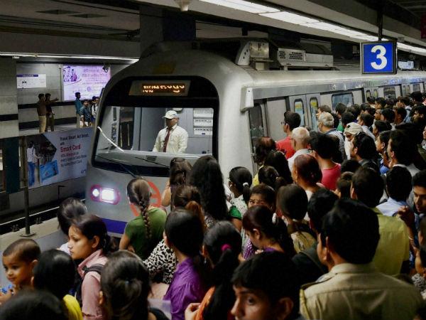 Metro Services Disrupts Due Technical Snag Between Dumdum Belgachia