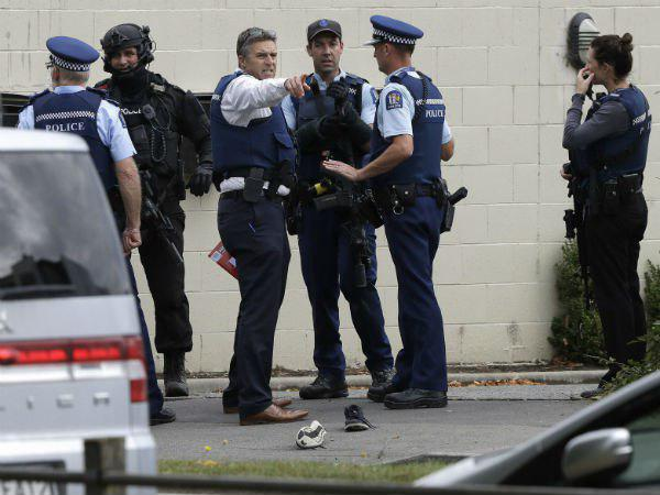 Two Controlled Explosions Central Auckland Street After Suspicious Bag Found