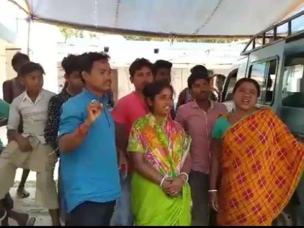 বুথে তালা লাগালেন গ্রামবাসীরাই! তৃতীয় দফায় বালুরঘাটের ভোটে 'অন্য চিত্র'