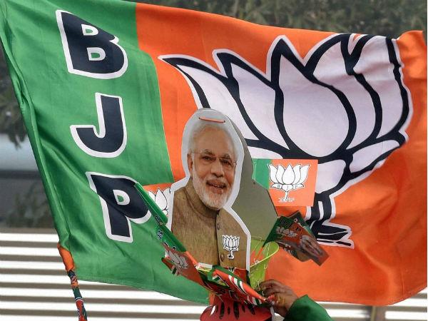 বুথ ফেরত সমীক্ষাতেই 'টলে গেল' রাজ্য সরকার! রাজ্যপালকে চিঠি বিজেপির