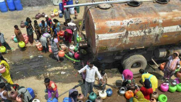 চরম জলসঙ্কট তামিলনাড়ুতে, জল কিনতে বাড়ির আসবাব বেচছেন বাসিন্দারা