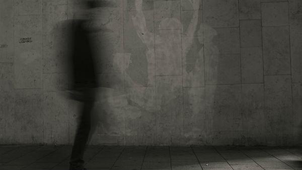রাতের অন্ধকারে বাড়িতে ঢুকে বধূর শ্লীলতাহানি 'ভূতে'র! রোমাঞ্চকর 'কাহিনি' কাটোয়ায়