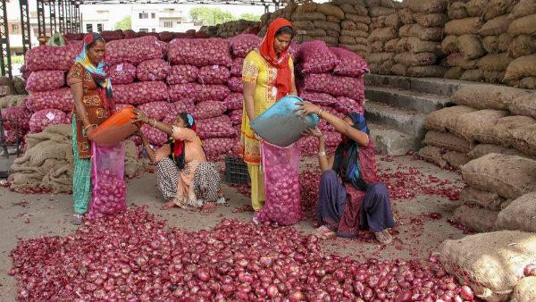 দেশের আর্থিক উন্নয়নের বাধা হয়ে দাঁড়াচ্ছে শ্রমের উৎপাদনশীলতা