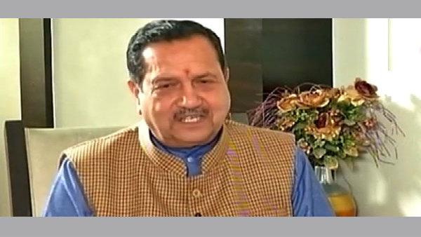 <strong>[ বিচ্ছিন্নতাবাদী আন্দোলনে ৫-৬ টুকরো হবে পাকিস্তান! দাবি আরএসএস নেতার]</strong>