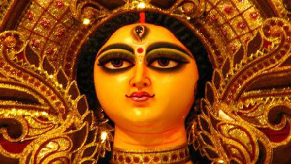বালাকোটের 'হামলা' এবার কলকাতায়! দুর্গাপুজোর থিমে অভিনন্দন বর্তমান