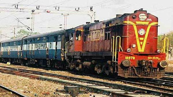 পুজোয় রেলকর্মীদের জন্য উপহার ঘোষণা মোদী সরকারের! ক্যাবিনেটে বড় সিদ্ধান্ত