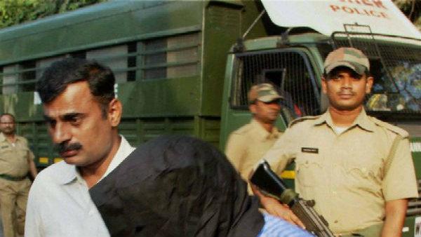 বাংলাদেশ থেকে ভারতে বিস্ফোরক পাচার! অভিযোগ 'মোস্ট ওয়ান্টেড' তালিকায় থাকা আজহারের বিরুদ্ধে